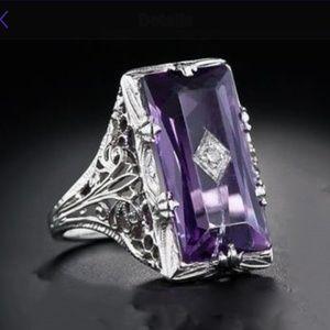 Jewelry - Luxury chamfered rectangular ring
